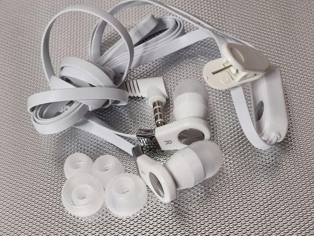 Słuchawki do telefonu z mikrofonem douszne dokanałowe białe