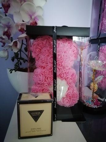 Miś z piankowych róż + Guess Seductive 75ml (woda toaletowa)