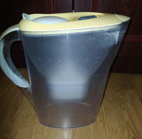 Чайник для фільтраціїї води.