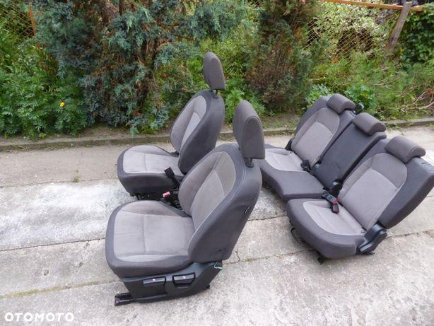 Komplet foteli Nissan Qashqai +2 J10 2009