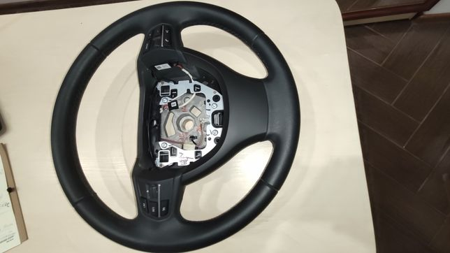 Руль с BMW 5 series 2011