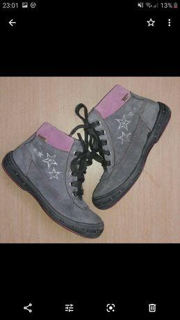 Оригинальные замшевые ботинки сапоги для девочки Richter 28 размер