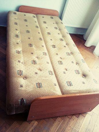 Rozkładana wersalka dwuosobowa/ łóżko