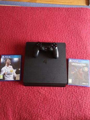 Playstation 4 + 1 comando + FIFA 18 & Uncharted o legado perdido