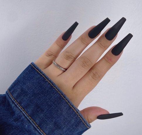 Czarne tipsy ręcznie robione matowe błyszczące