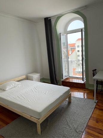 Quarto para estudantes/jovens trabalhadores/Room to rent for students