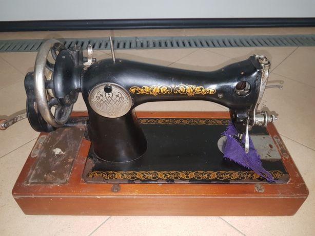 Maszyna do szycia z początku okresu, XX wieku