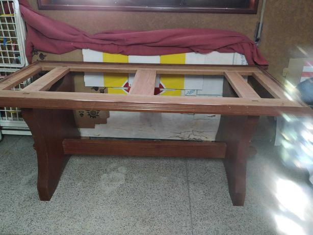 Mesa de madeira e mármore + bancos
