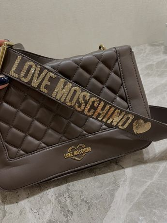Продам сумку Moschino оригинал