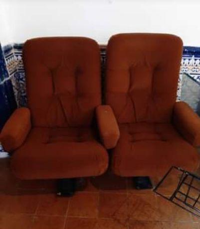 Cadeiras de cinema dos anos 70 - Space Age!
