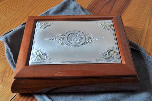 Guarda-Joias com música em madeira e tampa em prata de lei