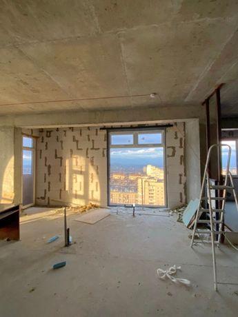 Продажа офиса с красивым видом, 21 этаж, н/ф, ул. Рабочая, 85000 у.е.
