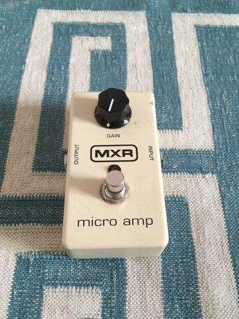 "Pedal MXR ""MICRO AMP"" para guitarra/baixo"