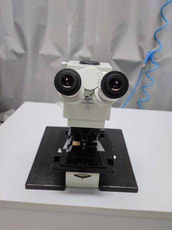 Microscópio Carl Zeiss Jenamed 2