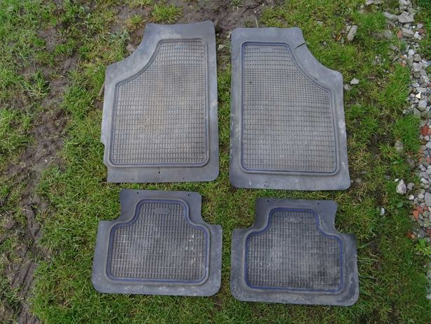 Oryginalne dywaniki gumowe/wycieraczki Fiat Punto II