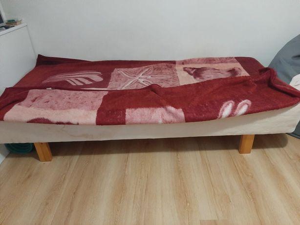 Sprzedam łóżko 200/90/40