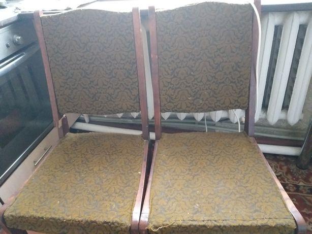 Стільці на реконструкцію