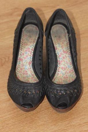 Sapatos pretos Pull&Bear