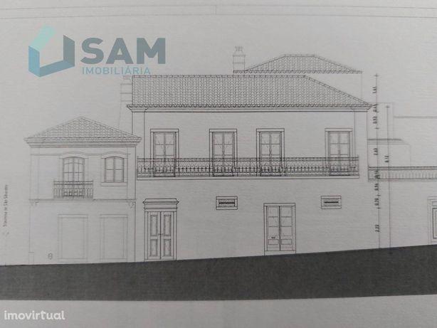 Prédio no centro histórico da cidade - Santarém
