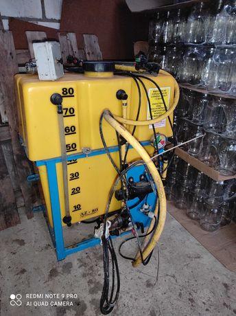 Aplikator-opryskiwacz do zakiszania bel, sianokiszonki