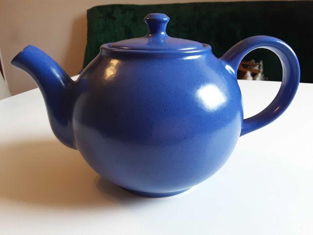 Duźy czajnik, imbryk w chabrowym kolorze
