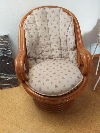 Cadeira de baloiço de bambu