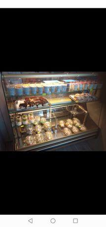 Lada chłodnicza sklepowa cukiernicza