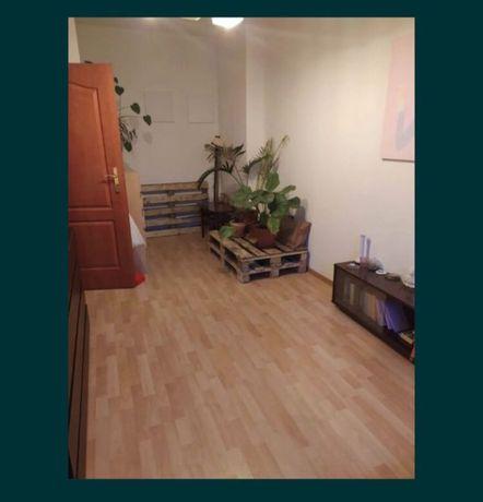 Pokój na wynajem w 3 osobowym mieszkaniu ul Rybaki kamienica