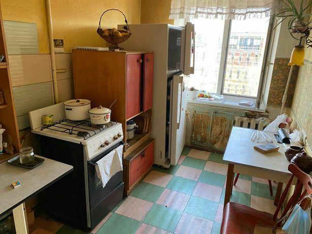 Продам 2к квартиру в жилом состоянии  в начале Героев Сталинграда