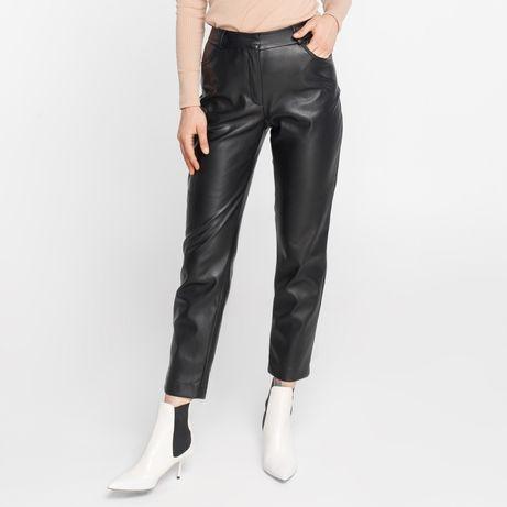 Черные брюки из экокожи 34 S как zara
