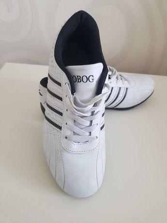 Кроссовки-кеды белые б.у. 38 размер.