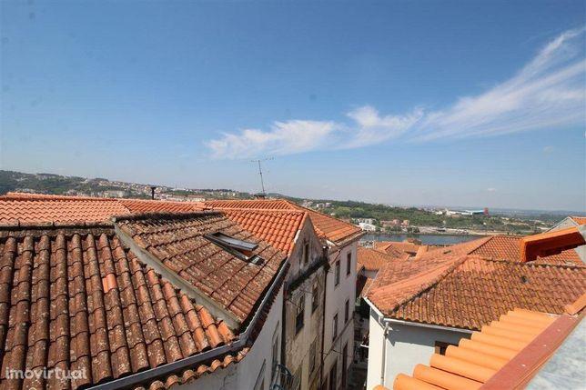 Prédio, 7 quartos, Coimbra, Alta