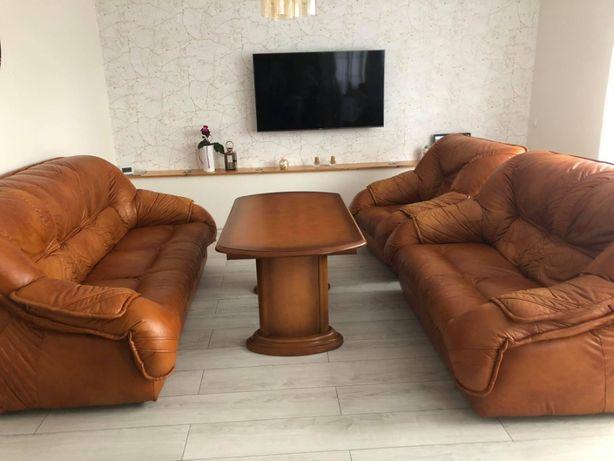 Komplet mebli wypoczynkowych 2 sofy, fotel, puf + ława