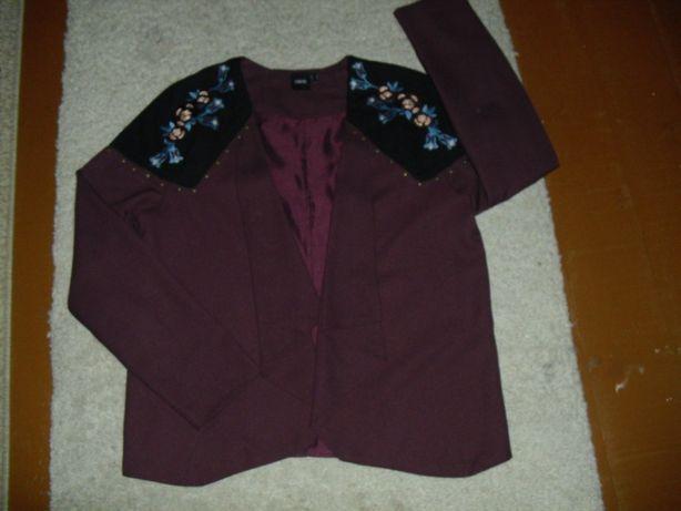 Żakiet z haftem w kolorze bordo, R.40 ASOS.