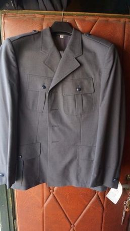 Mundur wojskowy, koszule, spodnie i inne