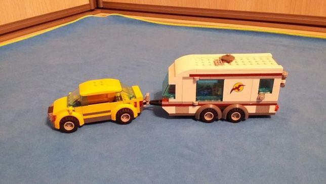 Miasteczko LEGO Friends, Samochód z przyczepą kempingową, LEGO 4435