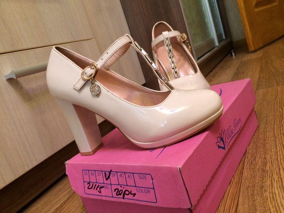 Продам туфлі ,туфлі на весілля ,свадьба ,весільні аксесуари Ровно - изображение 1