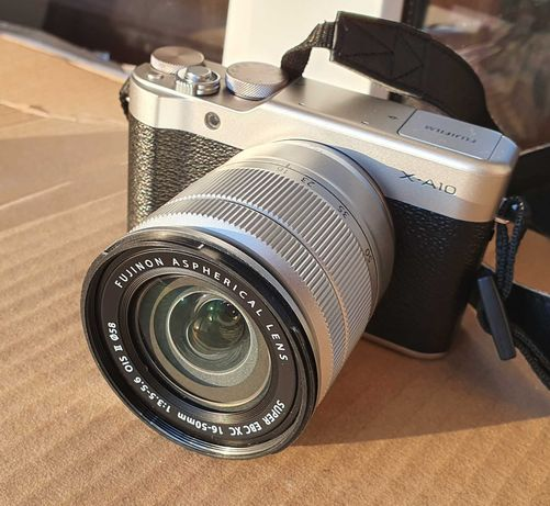 Кит FUJIFILM X-A10 + XC 16-50mm Silver