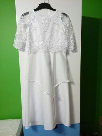 Sukienka komunijna, sypanie kwiatków, komunia alba, duża dziewczynka