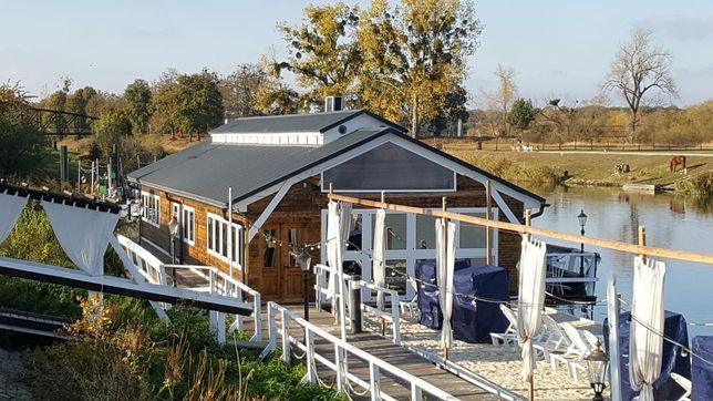 dom pływający drewniany energooszczędny rozbudowa dostawienie pokoju