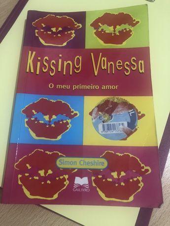 Livro Kissing Vanessa