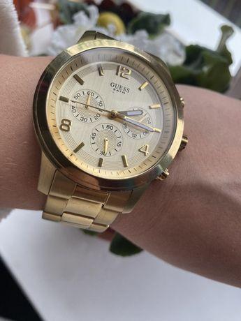 Часы Guess с крупным циферблатом