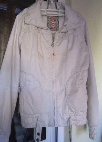 Blusão Branco Mulher - Bershka - Tamanho M - Estilo Bomberjack