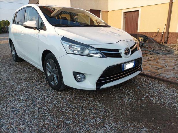 Toyota Verso 2014 r 7 osobowa zadbany  Bezwypadkowy BDB stan