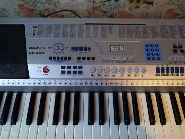 Синтезатор BRAVIS KB-920