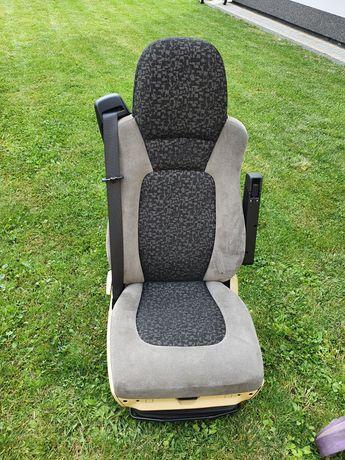 Fotel  DAF 105 pnematyka prawy