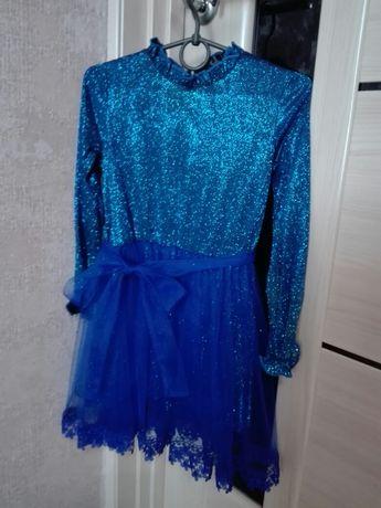 Святкове плаття на дівчинку 5-6 років