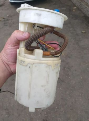 Бензонасос на фольксваген гольф 4 / бора 1,8 2,0 BORA топливный насос