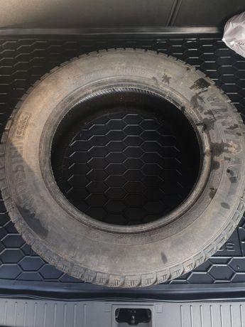 зимова шина Одна розпаровка r16 215 65 гума vredestein wintra резина