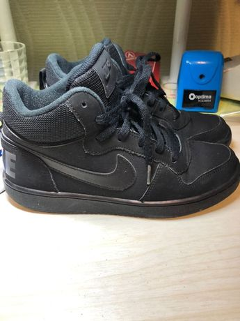 Ботинки Nike р.38 маломерки идут на 37 размер по стельке 24 см